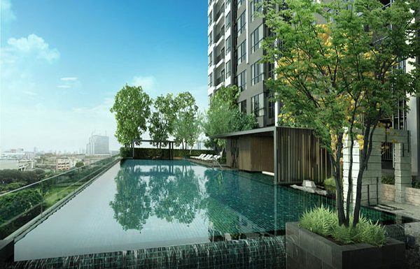 The-Room-St-Louis-bangkok-condo-for-sale-swimming-pool