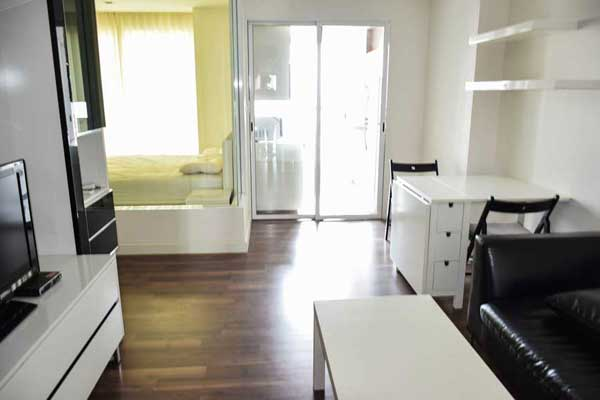 Room-Sathorn-Taksin-1br-rent-99203-featured