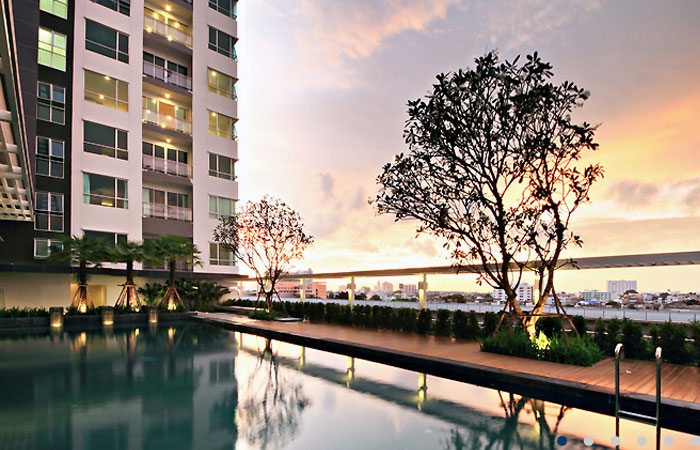 Room-Sathorn-Taksin-Bangkok-condo-for-sale-1